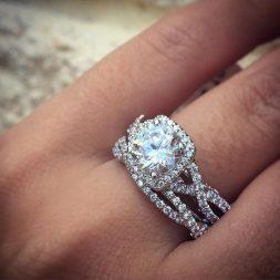 Онлайн кредит за покупка на годежен пръстен
